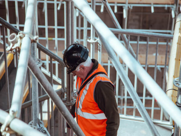 Labourers left exposed to asbestos during shop refurb